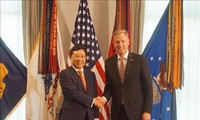 เวียดนามและสหรัฐกระชับความร่วมมือด้านเศรษฐกิจ การค้า การลงทุนและกลาโหม