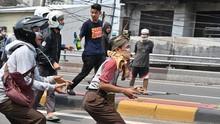 Indonesia menghapuskan pembatasan terharap hak mengakses  berbagai media sosial