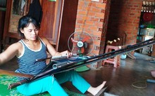 Ede ethnic people preserve traditional brocade weaving craft