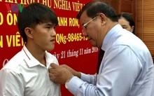 Quang Ngai fisherman honored for saving people at sea