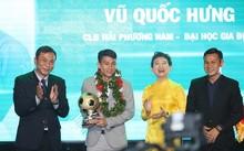 Vu Quoc Hung wins futsal award
