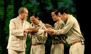 """Die Figur """"Präsident Ho Chi Minh"""" ist volksnah im Drama """"die Spur der Vergangenheit"""""""