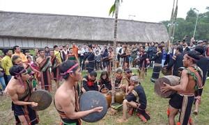 Memperhebat pekerjaan konservasi budaya etnis-etnis Vietnam