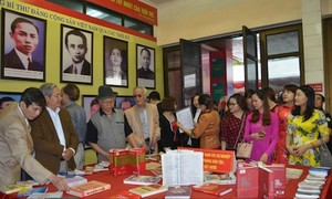 Inaugurada exhibición sobre el Partido Comunista y el Parlamento de Vietnam