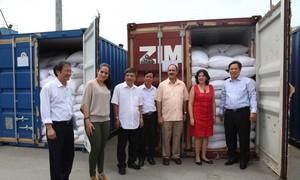 Vietnam realiza entrega oficial de una donación de 5.000 toneladas de arroz a Cuba