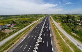 Transport development serves Vietnam-China economic corridor cooperation