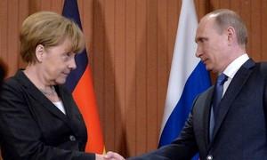 Poutine et Merkel ont discuté d'une trêve en Ukraine