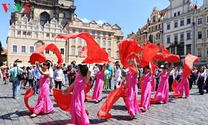 Việt Nam tham dự Lễ hội văn hóa các dân tộc thiểu số toàn Czech 2017