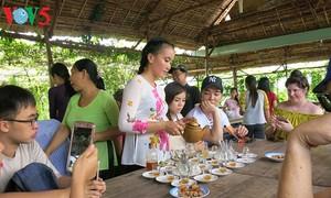 Người dân Cù lao Thới Sơn làm du lịch sinh thái