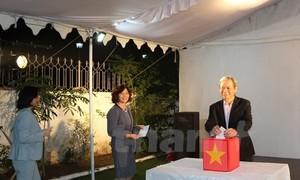 La Embajada de Vietnam en la India recauda fondos en apoyo a las víctimas del huracán Damrey