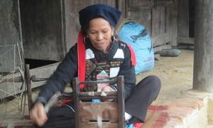 อาชีพทอผ้าพื้นเมืองของชนกลุ่มน้อยเผ่า กาวลาน ที่จังหวัดบั๊กยาง