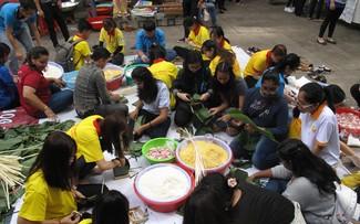 Знакомство иностранных студентов с вьетнамским традиционным вьетнамским праздником