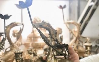 The craft of casting bronze in Yen Xa commune