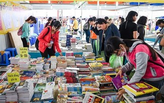 Young Vietnamese eager to read more