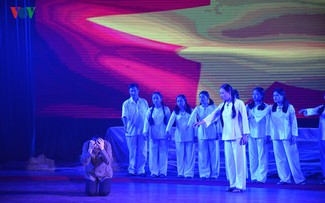 "Musical play ""Truong Bon flower and fire"" - a tribute to fallen soldiers"
