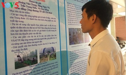 High-tech applied to growing vegetables on Truong Sa Islands