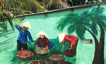 タムタイン壁画村