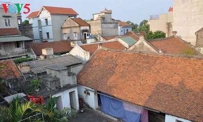 Die traditionelle Architektur und die französische Architektur im Dorf Cu Da