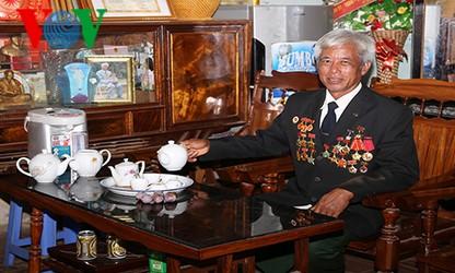 越南西北边疆的劳动英雄为文稳