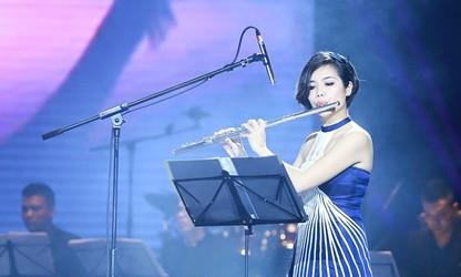 ນັກສິລະປິນເປົາຂຸ່ຍ Flute ເລທືເຮືອງ ນຳເອົາສີສັນດົນຕີ ຫວຽດນາມ ໄປສະແດງໃນງານປະສານສຽງດົນຕີສາກົນຕ່າງໆ
