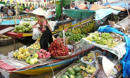 Floating markets – a typical cultural feature of the Mekong region