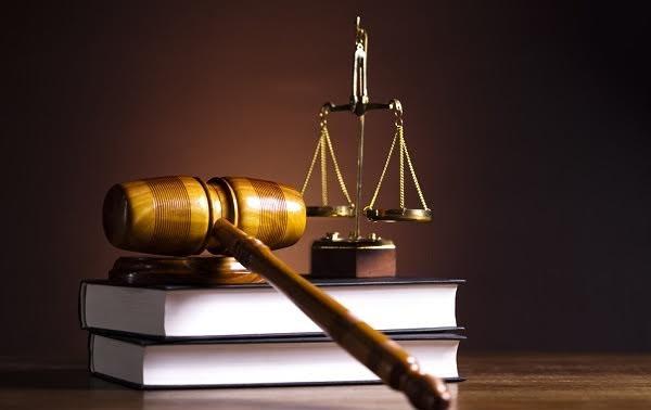 Melaksanakan secara tepat hukum Vietnam dan hukum internasional
