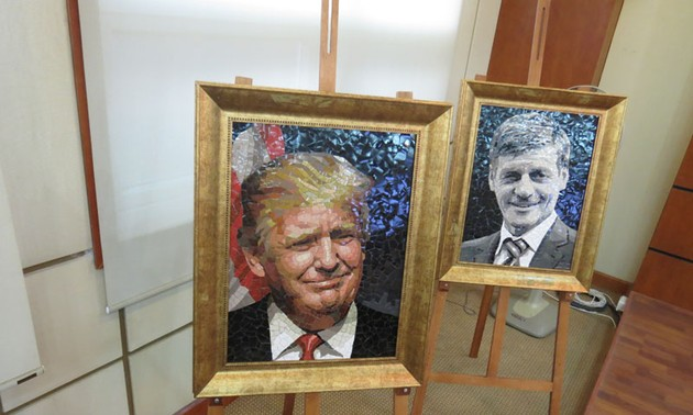 Chiêm ngưỡng những bức tranh ghép gốm chân dung lãnh đạo các nền kinh tế APEC 2017