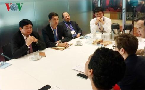 Tổng Giám đốc VOV thăm BBC World Service tại London