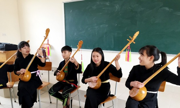 Boarding school nurtures students' passion for ethnic minority culture