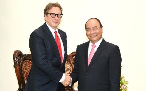 នាយករដ្ឋមន្រ្តីលោក Nguyen Xuan Phuc ទទួលជួបជាមួយប្រធានមូលនិធិវិនិយោគ Harbinger Capital Partners