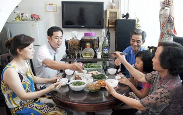 Comida familiar consolida la unión entre los miembros del hogar