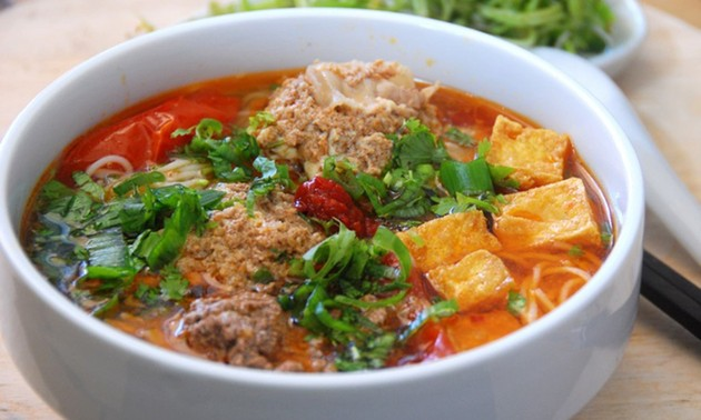 Vietnamese paddy crab noodles