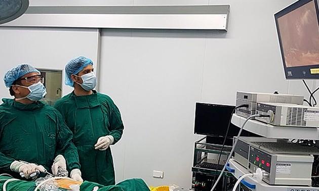Trân Ngoc Luong et sa technique de thyroïdectomie endoscopique