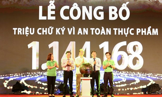 One million signatures for food safety announced in Hanoi
