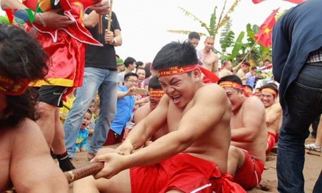 Vietnam's sitting tug-of-war games recognized by UNESCO