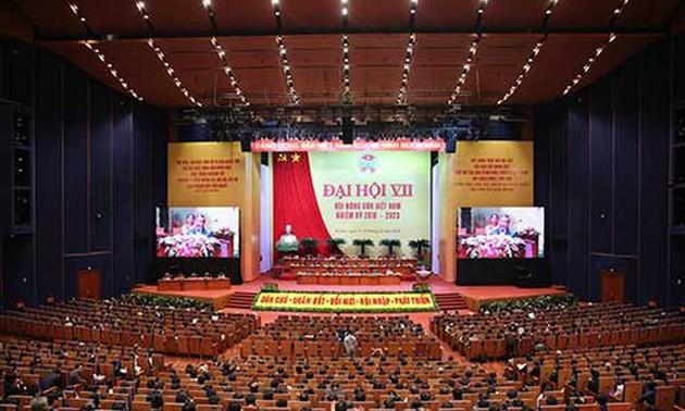 Asosiasi Petani Viet Nam berjalan seperjalanan dengan kaum tani dalam produksi dan pengembangan kehidupan