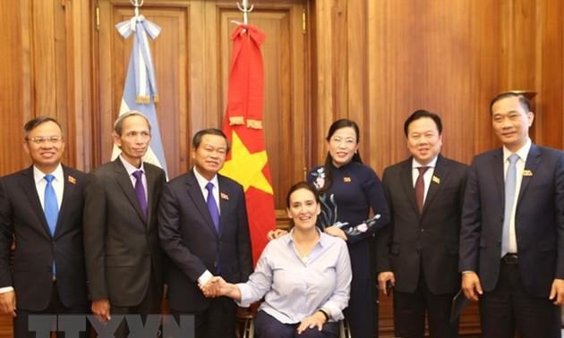 Vietnam y Argentina promueven la asociación estratégica bilateral