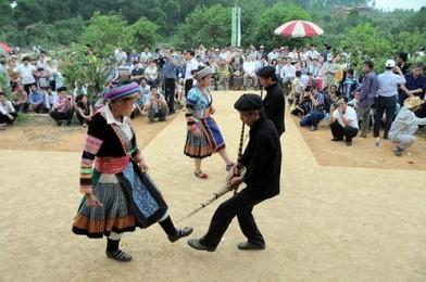 少数民族モン族の伝統的なお正月