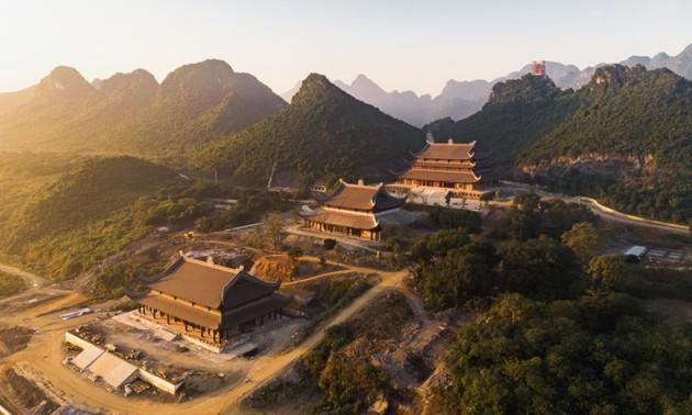 Tam Chuc-Zona wisata spiritualitas  yang menarik di Viet Nam