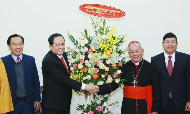 越南祖国阵线中央委员会主席陈清敏祝贺2018圣诞节