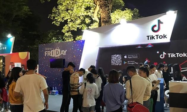 Online Friday promotes e-commerce