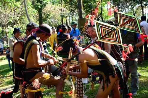 Vietnam steps up efforts to preserve ethnic culture