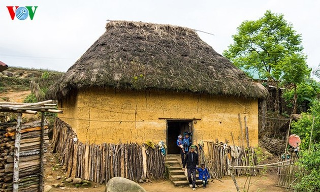 Ha Nhi ethnic group's earthen-wall houses and traditional New Year celebration