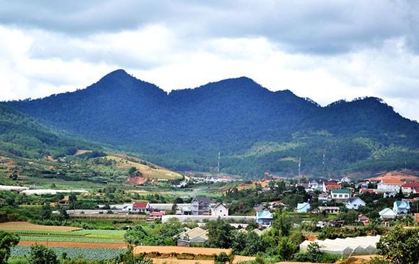 Đổi thay dưới chân núi Langbiang