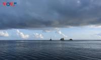 Vẻ đẹp đảo Đá Tây B