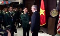 Activités du ministre vietnamien de la Défense en marge du Dialogue Shangri-La