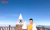 Salju menutupi puncak Fansipan