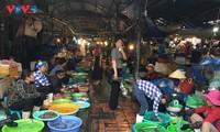 Hải sản tươi rói ở chợ Hạ Long