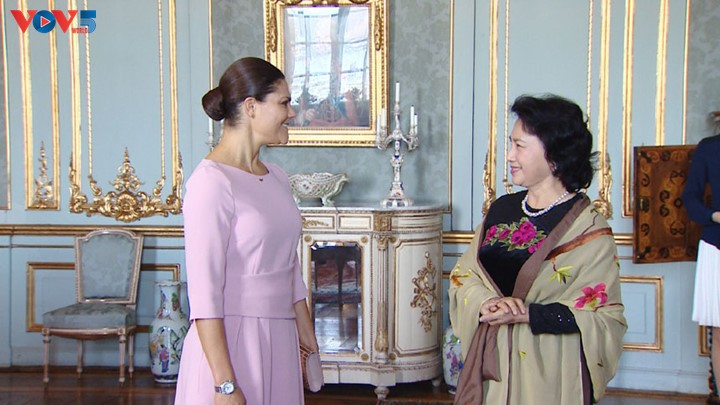 National Assembly Chairwoman meets Swedish Crown Princess  - ảnh 1