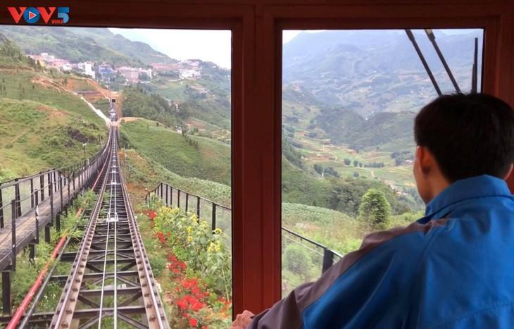 Ngắm trọn cảnh sắc Sa Pa từ tuyến tàu hỏa leo núi - ảnh 3